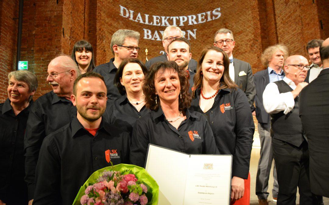 Und der Träger des Bayerischen Dialektpreises 2018 ist…